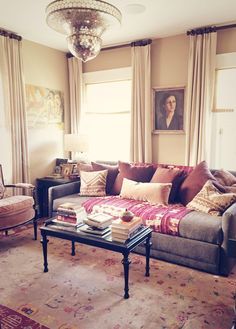 we dressed up this classic @CrateandBarrel sofa kpi style, with #vintage #textiles and saturated #colors!
