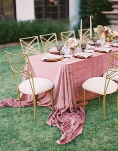 Feminine Al Fresco Dinner Party With A Late Summer Feel - Wilkie: This outdoor dinner party features a gorgeous blush velvet table runner and lots of gold!