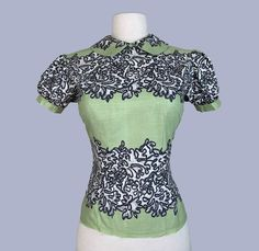 Border Print cotton blouse / MOP button down back shirt / pinup top / Rockabilly Mother Of Pearl Buttons, Mother Pearl, Peter Pan Collars, Bridal Stores, Lace Print, Border Print, Cotton Blouses, Vintage Tops, Absolutely Gorgeous