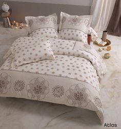 Découvrez la parure de lit ATLAS, en 100% coton, 57 fils/cm², made in France, www.lefildecharline.com