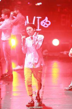 paismom — fckyeahgdragon:   160707 G-Dragon - VIP Fanmeeting...