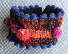 Bracelet/Manchette textile. Esprit ethnique. Multicolore.