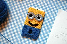 the geeky knitter: minion phone cover - free knitting pattern