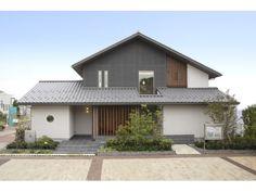 仙台港展示場 | 宮城県 | 住宅展示場案内(モデルハウス) | 積水ハウス Japan Modern House, Japan House Design, Modern House Plans, Japanese Architecture, Residential Architecture, Architecture Design, Zen Design Interior, Exterior Design, Simple House Exterior