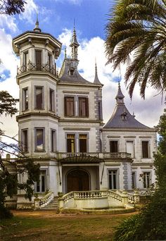 Palacio Idiarte Borda (Las Piedras, Uruguay), a National Historic Landmark, is a neoclassical building built in 1896 as the residence of the President of the Oriental Republic of Uruguay, Juan Bautista Idiarte Borda (1844-1897). Although the gardens are still maintained, the mansion is vacant & is being allowed to deteriorate.