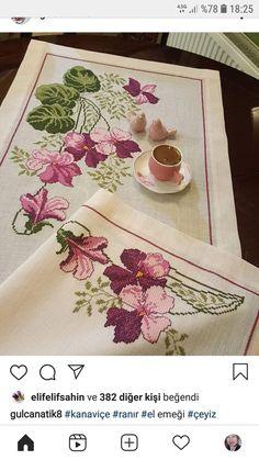 Mini Cross Stitch, Cross Stitch Heart, Cross Stitch Flowers, Cat Cross Stitches, Cross Stitch Patterns, Embroidery Applique, Cross Stitch Embroidery, Baby Knitting Patterns, Preschool Crafts