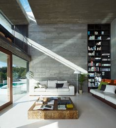 Natural light cast down the off form concrete walls | Pitch's House in Los Peñascales, Spain. By Iñaqui Carnicero