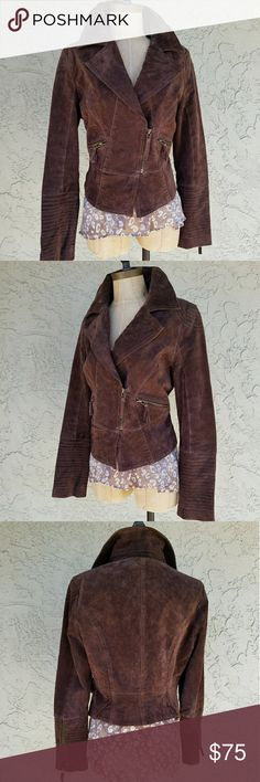"""Lucci Leather Cocoa Suede Moto Jacket MEASUREMENTS: Shld - Shld 16"""", Armpit - Armpit 20"""", Sleeve 24"""", Length 18"""" backside. MADE OF: Shell 100% Leather. Lining 100% Polyester.  Cocoa Suede Moto Jacket with extra long sleeves. Circular stitch detail on shoulders with stitching on the cuffs and 7 inch zipper with tassels. Notched collar, zip pockets on the front hip and 4 inch zip closure. Fully lined. Excellent condition. Super soft! Lucci Leatherwear Jackets & Coats"""