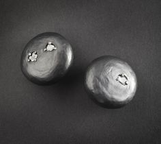 SANDRA ENTERLINE: Pretty Crude  Earrings, Hammered Round Earrings, 2011  http://crafthaus.ning.com/group/velvetdavinci?groupUrl=velvetdavinci=2104389%3AGroup%3A89601=2#comments  sterling silver, 18k palladium white gold, diamond slices (.715 carats)
