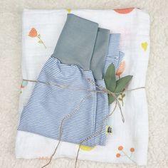 Hier siehst Du eine Vorauswahl an Geschenke Sets mit Gelber Knopf Einzelstücken. Falls Du ein Geschenk für Dich selber oder für Freunde suchst, bist Du hier genau richtig!  Die fertig zusammengestellten Sets hier, diene als Inspiration.  Für mehr bitte auf www.gelberknopf.de gehen und stöbern!   #geschenke #baby #schenken #gelberknopf Apron, Inspiration, Fashion, Fabric Crown, Early Voting, You're Welcome, Biblical Inspiration, Moda, Fashion Styles