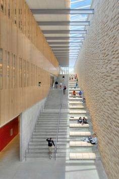 Gallery of Reeds Spring Middle School / Dake Wells Architecture - 1 - D-大型公建 Gallery of Reeds Spring Middle School / Dake Wells Architecture – 1 Gallery of Reeds Spring Middle School / Dake Wells Architecture – 1 Futuristic Architecture, School Architecture, Interior Architecture, Modern Architecture House, Architecture Tools, Computer Architecture, Bamboo Architecture, Modern Home Interior Design, Architecture Awards