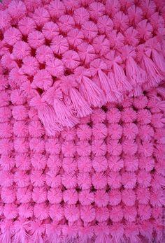 Купить Детский плед из помпонов + шапочка - розовый, детский плед, плед из помпонов