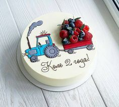 Another representative of the vehicle with berries🚜😊. 🌿 Assortment and prices here 👉 Cooking Cake. Fancy Cakes, Cute Cakes, Pretty Cakes, Fondant Cakes, Cupcake Cakes, Decoration Patisserie, Bolo Cake, Cooking Cake, Strawberry Cakes