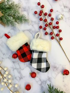 Personalized Christmas Check Pattern Face Socks Custom Christmas Plaid Face Socks Unique and Creative Holiday Gift Idea 2019
