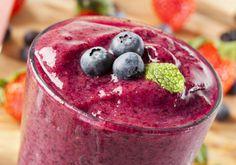 Sleepy smoothie recipe: Banana, berries and seeds