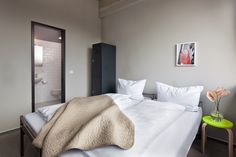 From the dorm room to the hotel standard private chamber! access ✓ Free WiFi ✓ and much more. Hotels, Free Wifi, Hotel Reviews, Dorm Room, Concept, Places, Furniture, Berlin Germany, Home Decor