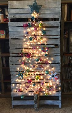 Pallet Christmas Tree-homesthetics.net (8)