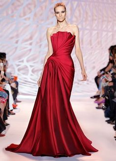 ZUHAIR MURAD | Fall Winter 2014/2015 | Strapless Mikado dress with an accordion fold draped bodice in crimson