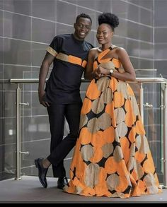 Vitenge Available Cotton Tunauza Jumla Na Reja Reja Tunatuma Mizigo Mikoa Yote Ndani Na Nje Ya Tanzania WhatsApp . Couples African Outfits, African Wear Dresses, African Fashion Ankara, Latest African Fashion Dresses, Couple Outfits, African Print Fashion, Africa Fashion, Ghana Fashion, African Prints