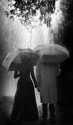 """""""Qui es-tu donc, ai-je demandé à l'averse tombant doucement (...)"""" Walt Withman, in Leaves of Grass, 1855. (Feuilles d'herbe), La voix de la pluie."""