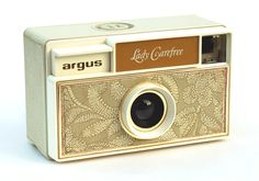 Such a cute little camera.. If I ever find this, then I'll be very happy!