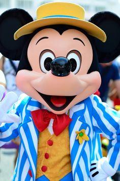 Que Mickey te firme en el libro de autógrafos...
