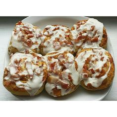 Put chopped #bacon on top of your #cinnamonrolls #breakfastHERO