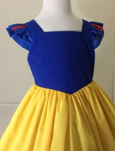 Snow White inspired dress by on Etsy Disney Inspired Dresses, Disney Princess Dresses, Disney Dresses, Frocks For Girls, Little Girl Dresses, Girls Dresses, Summer Dresses, Snow White Costume Kids, Toddler Dress