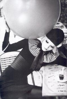 Dakota Fanning by Ellen Von Unwerth in the making