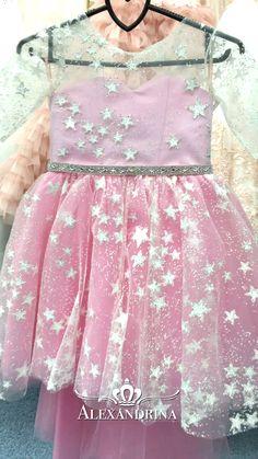 Luxury pageant dresses by Alexandrina Floral Prom Dresses, Girls Formal Dresses, Flower Dresses, Princess Flower Girl Dresses, Baby Girl Dresses, Fashion Niños, Baby Fancy Dress, Color Celeste, Baby Dress Design