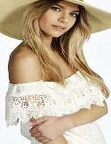 boohoo Bead Trim Straw Floppy Hat - white azz10774 Whether youre fighting the freeze in a faux fur stole, or curbing the cold in a quirky fedora hat, scarves and hats are the outfit-perfecting accessories we all need. Stripe trim scarves and beanies b http://www.comparestoreprices.co.uk/womens-accessories/boohoo-bead-trim-straw-floppy-hat--white-azz10774.asp
