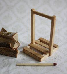 Lasituvan Miniatyyrit - Lasitupa Miniatures: DIY: Wood carrier - puunkantoteline 1/12