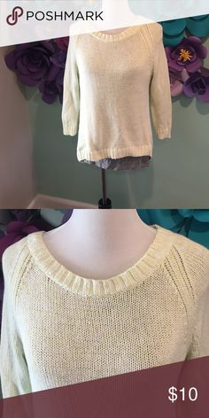 GAP Knit Sweater Soft knit pullover sweater from the Gap. Really pretty light lime green color woven in with white. Sleeves hit just before the wrist. Never worn no rips, stains, or pilling. 100% cotton machine wash cold. Size Medium. GAP Sweaters Crew & Scoop Necks