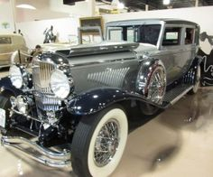 Rare 1930 Duesenberg Model J by Willoughby - My old classic car collection American Classic Cars, Old Classic Cars, Duesenberg Car, Auto Retro, Classy Cars, Unique Cars, Vintage Trucks, Amazing Cars, Courses