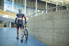 #MatthiasBrändle's #HourRecord #ScottPlasma5 - Matthias Brändle walks onto the velodrome