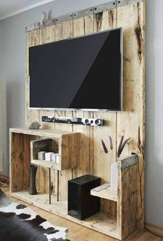 Creative ideas for DIY TV stand plans, very cheap and easy to do. Find the perfect TV Stand for your TV with any sizes. Pallet Furniture Tv Stand, Rustic Wood Furniture, Diy Furniture, Furniture Storage, Fresh Living Room, Living Room Tv, Homemade Tv Stand, Tv Diy, Best Tv Wall Mount