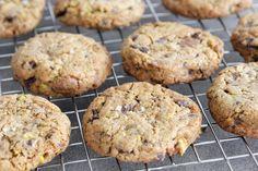 עוגיות שוקולד, פיסטוק ומלח ים - נטלי לוין