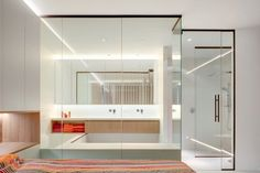 Villaproject Herk-de-Stad - Hoog ■ Exclusieve woon- en tuin inspiratie. Alcove, Divider, Villa, Bathtub, Bathroom, Furniture, Design, Home Decor, Concept