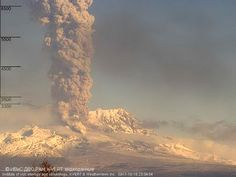 In Kamchatka, Russia, #Sheveluch volcano, one of the most active in the region, recorded a strong explosion with a +10 km eruptive column.