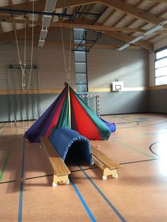 Zelt                                                                                                                                                                                 More Kids Gym, Kids Daycare, Yoga For Kids, Exercise For Kids, Sports Day, School Sports, Kids Sports, Pe Lessons, Pe Ideas