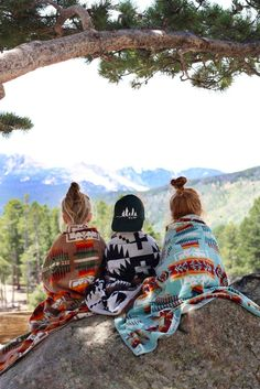 Cute camping kiddos | Pendleton Spa Towel | The Rollin' J | mountain view | Rocky Mountain National Park | Aztec print blankets | western style | home decor | therollinj.com