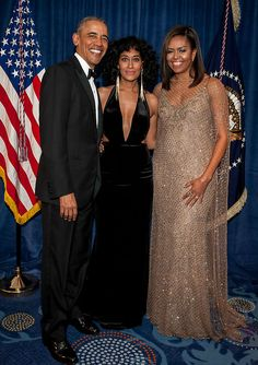 Tracee Ellis Ross with President Obama And First Lady Michelle Obama Barrack And Michelle, Michelle And Barack Obama, Black Is Beautiful, Beautiful People, Presidente Obama, Barack Obama Family, Michelle Obama Fashion, Lab, First Black President