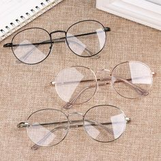 Ropa Brandy Melville, Glasses Frames Trendy, Types Of Glasses Frames, Cool Glasses, Glasses Trends, Lunette Style, Oversized Glasses, Fashion Eye Glasses, Eyeglasses