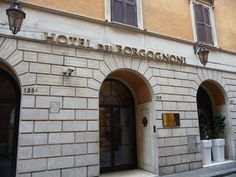 Hotel dei Borgognoni, our hotel in Roma.
