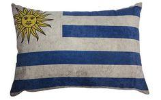 Almofada do Uruguai. A rvalentim tem uma coleção de almofadas com a bandeira de todos os países.