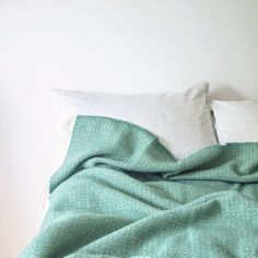 Seagreen throw blanket for the end of your bed