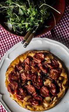 Caramelised Garlic and Tomato Tarte Tatin | The Food Federation