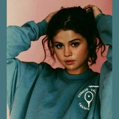 Selena Gomez is a American actress, singer, and producer Selena Marie Gomez is an inspiration for the youth of the country. Selena Gomez Fashion, Style Selena Gomez, Selena Gomez Fotos, Selena Gomez Tumblr, Selena Gomez Makeup, Selena Gomez Selfies, Selena Gomez Drawing, Selena Gomez Body, Selena Gomez Bangs