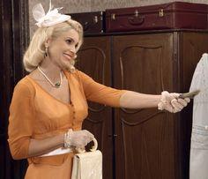Sandra oferece dinheiro para Filó sair da cidade (Foto: TV Globo)