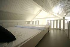 Beach house/Strandhuisje, Katwijk  - one of the bedrooms (vide)